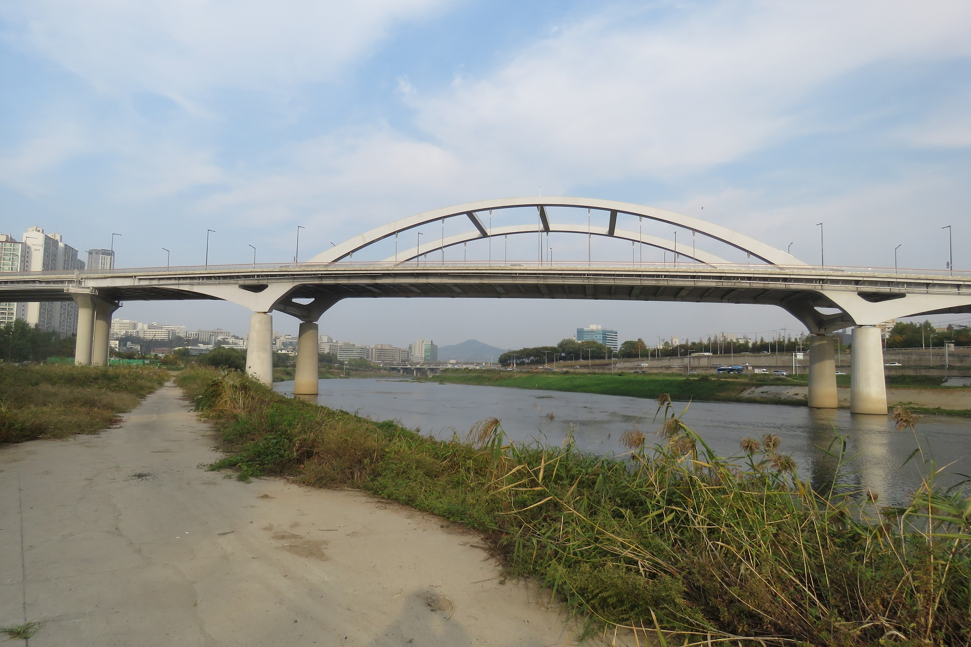 new-bridge-over-the-chungrangcheon